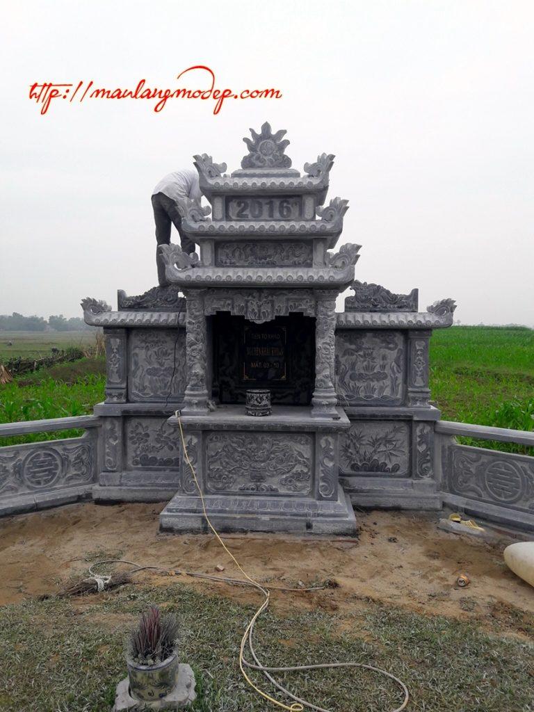 Mẫu lăng thờ bằng đá khối