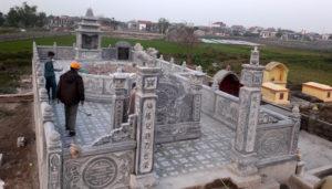 Khu lăng mộ có cuốn thư đá, cổng đá và mộ tròn