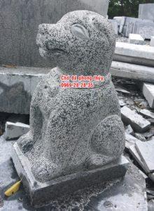 Chó bằng đá cao 47 cm